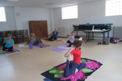 Stage Yoga 04